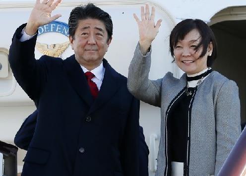 安倍首相结束访华回到东京