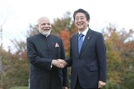 安倍在富士山别墅招待印度总理