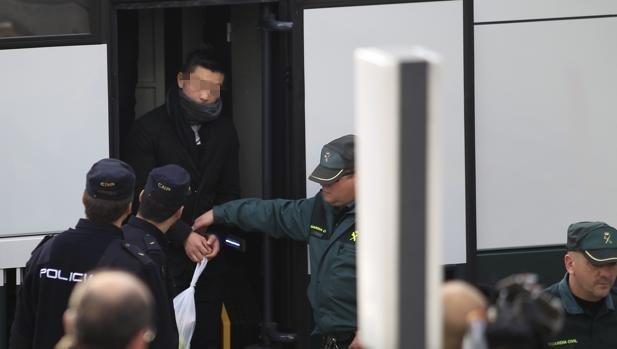 贩毒诈骗组织卖淫:华人犯罪团伙颇让警方头疼!