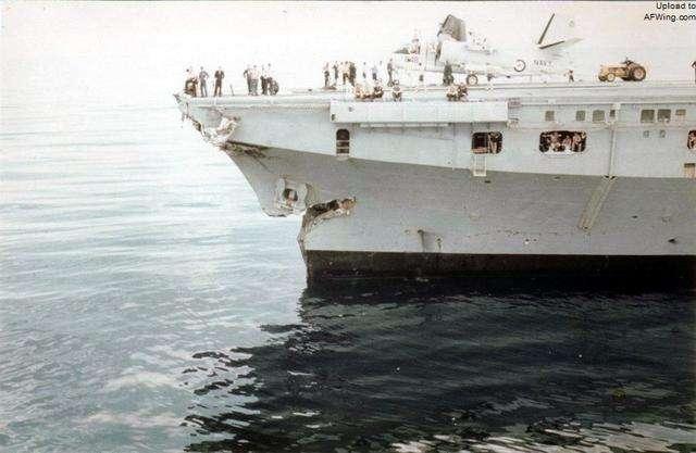 """澳航母曾是""""撞船专业户"""" 曾将美军舰切成两段"""