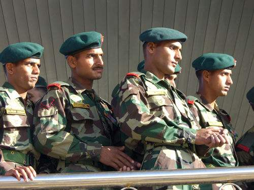 社评:印军在错误地点挑衅只会自取其辱