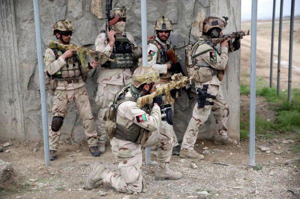 """美国为阿富汗军队购买""""丛林""""迷彩服 只因阿防长说漂亮"""