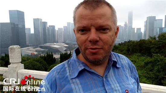 斯洛伐克资深记者:中国城市展现出的活力让人难忘