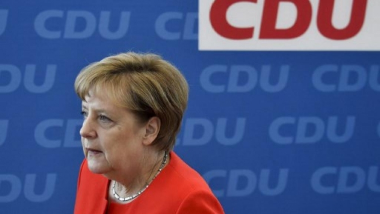德国通过同性婚姻合法化法案 默克尔投反对票