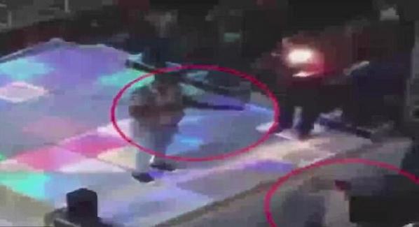 悲剧!埃及14岁少年婚礼上被走火猎枪击中身亡