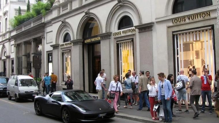 """官方数据显示: 中国人成意大利奢侈品""""最强消费者""""!"""