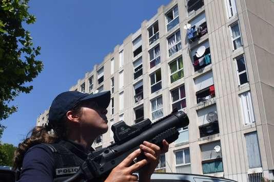 法国贩毒家庭被逐出社会福利房