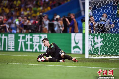 世界杯最佳门将加盟皇马 库尔图瓦签6年长约