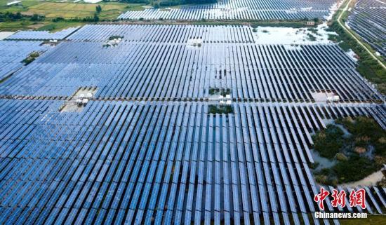 大型光伏电站气候环境生态效应研究观测场在新疆揭牌