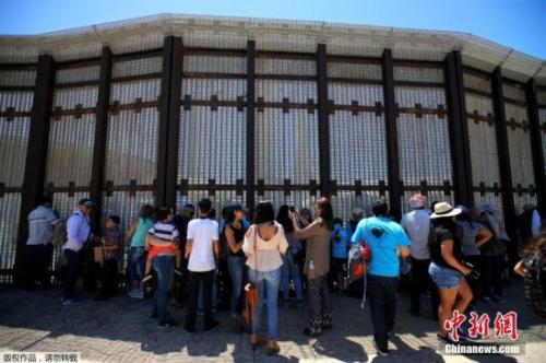 墨西哥重申将拒绝支付美墨边境墙修建费用