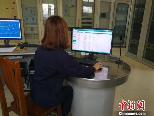 机器人2小时搜集400余项数据 山西煤企智取转型