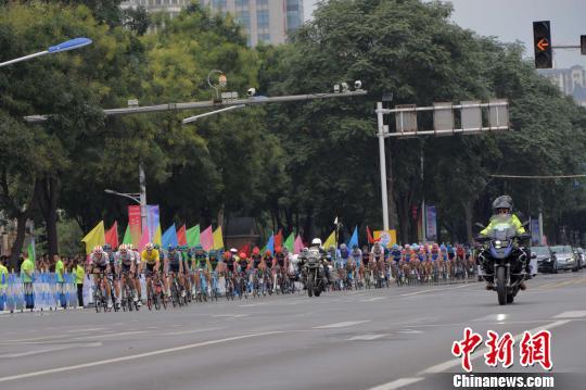 邢台国际公路自行车赛圆满收官 伊朗队获团体总成绩第一