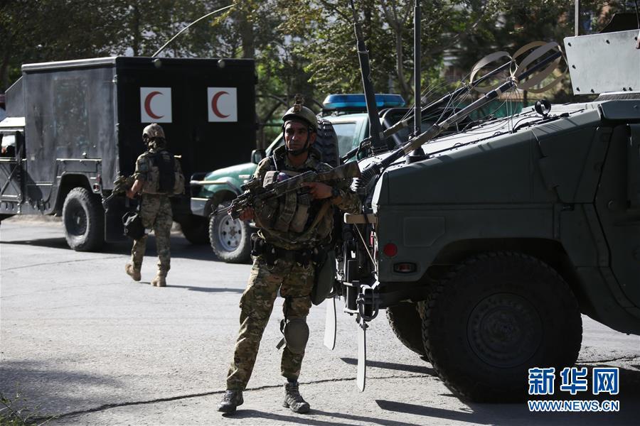 阿富汗喀布尔一清真寺遭袭13人死亡(组图)