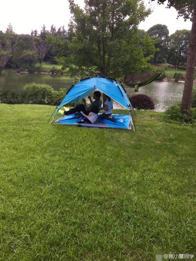 陆毅贝儿野外搭帐篷亲近自然 网友:真人秀后遗症
