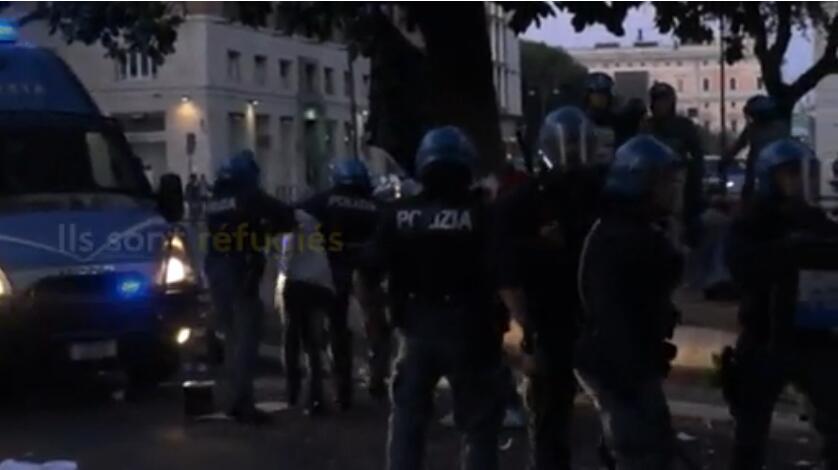 罗马组织警力驱逐市中心难民 引发激烈冲突