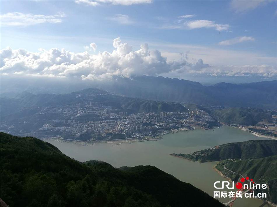 【绿色发展 绿色生活】重庆巫山县发展绿色旅游经济吸引中外游客