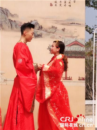 【碑林外籍外交官行】记者手记:难忘的仿唐婚礼体验