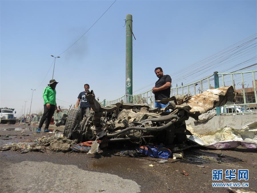 伊拉克巴格达发生汽车炸弹袭击事件(组图)