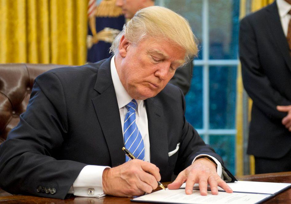 特朗普首个特赦令引来谴责一片 被指变相支持种族主义