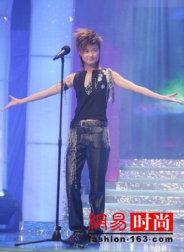 要说出道10年变化最大的超女 只服李宇春!