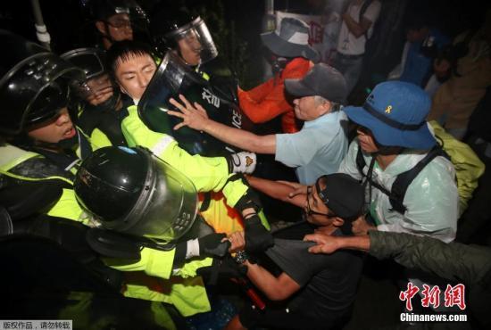 不会放弃 韩民众称将前往青瓦台继续抗议部署萨德
